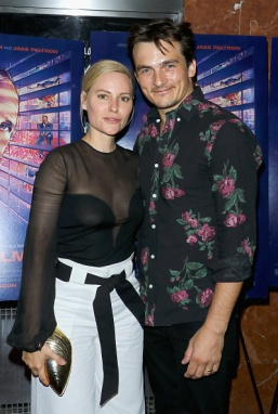 """NEW YORK, NY - JUNE 09: Aimee Mullins and actor Rupert Friend attend the """"De Palma"""" New York screening at DGA Theater on June 9, 2016 in New York City. (Photo by Jim Spellman/Getty Images,)"""